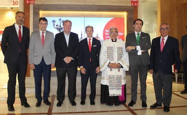 El banco santander reabre sus oficinas de ordo o ii for Oficinas banco santander zaragoza capital