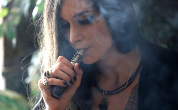 Alertan en EU uso de cigarrillos electrónicos, van 5 decesos