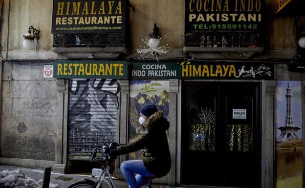 Madrid se queda sin dosis para vacunar a sanitarios contra el coronavirus