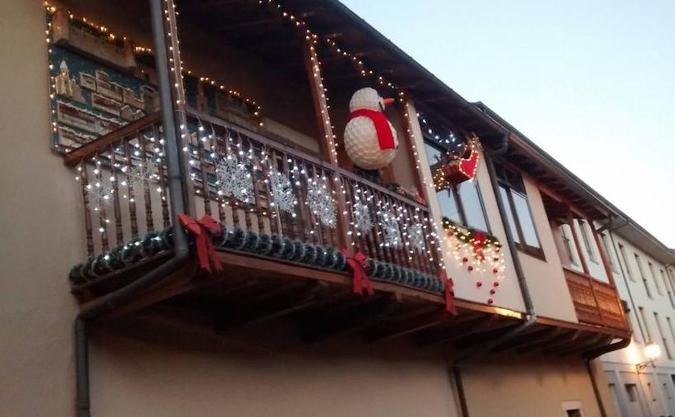 Imagenes Balcones Adornos Navidad.El Balcon De La Navidad El Bierzo Noticias Leonoticias