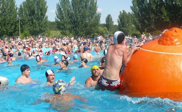 El psoe denuncia que la 39 piscina de olas 39 de valencia de for Horario piscinas valencia de don juan