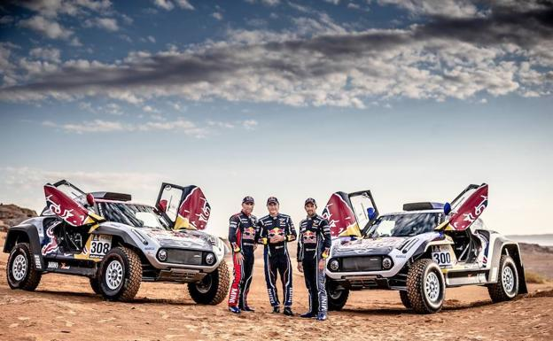 Carlos Sainz, Cyril Despres y Stéphane Peterhansel correrán con Mini el Dakar. /Mini