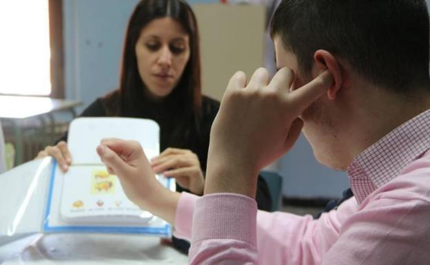 Las personas con autismo reclaman comprensión y medidas que garanticen sus derechos y libertades fundamentales